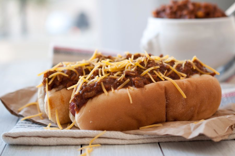 Beer Chili & Cheese Dogs for IPA Day - The Beeroness