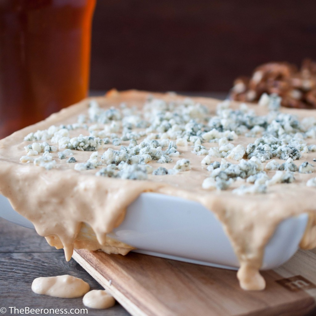 Buffalo Chicken Beer Cheese Dip @TheBeeroness