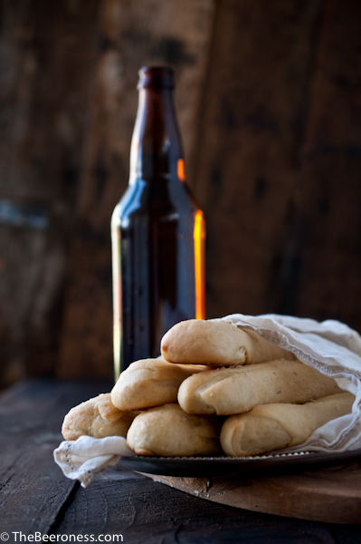 Italian Beer Bread Sticks & Tips for Beer and Food Pairing via @TheBeeroness