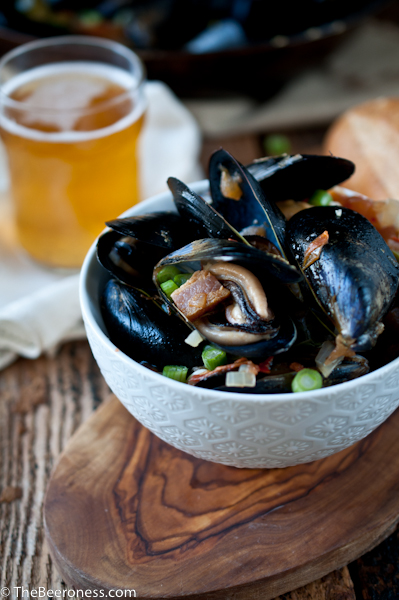 Hello Seattle + Spicy Steamed Mussels in Beer