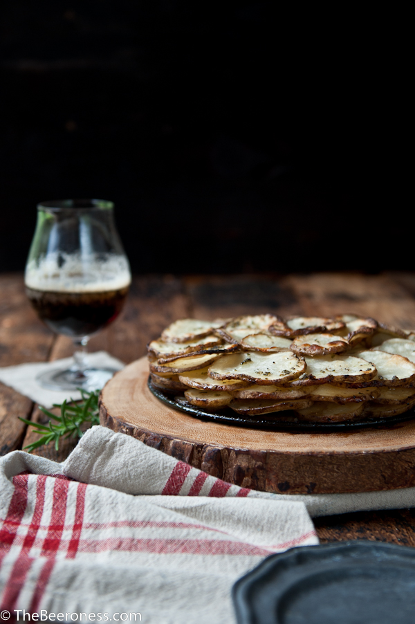 Rosemary Potato Brown Ale Galette. Vegan, healthy and insanely delicious. Perfect side dish for Thanksgiving!   #vegan #beer #recipe #sidedish #thanksgiving #potato
