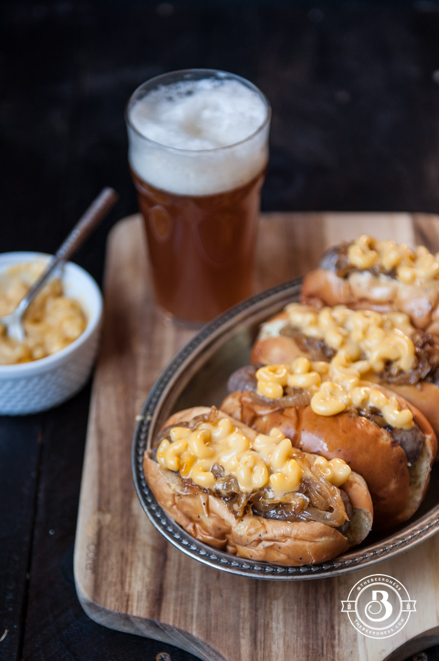 mac-and-beer-cheese-brats-3