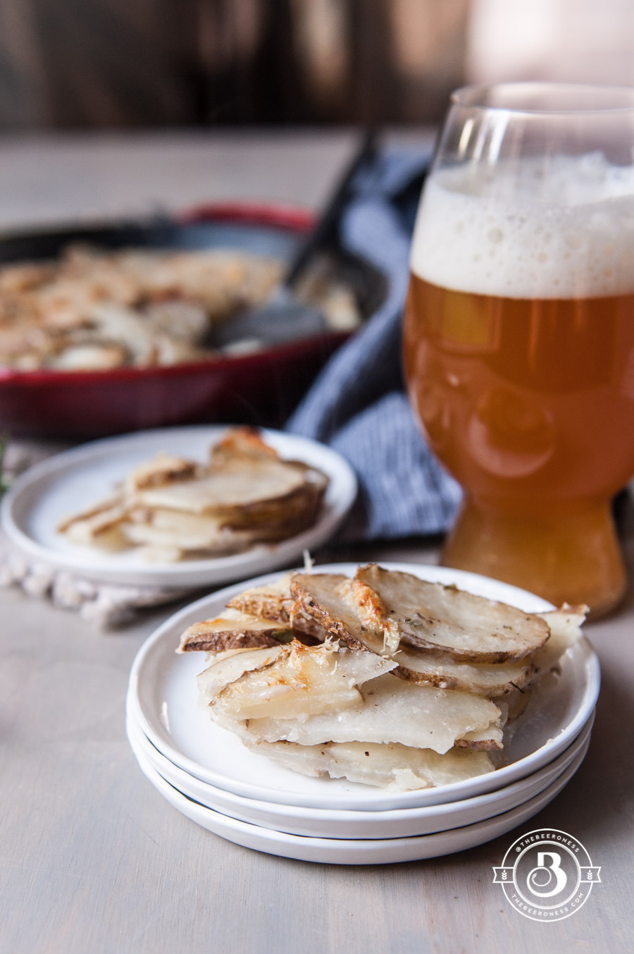 garlic-parmesan-skillet-beer-potatoes-8