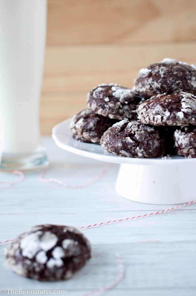 14. Chocolate Stout Crinkle Cookies | The Beeroness